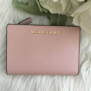 Michael Kors Bags - New Michael Kors wallet